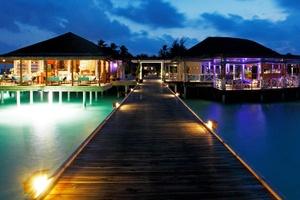 На Мальдивах появился Цирк под звездами